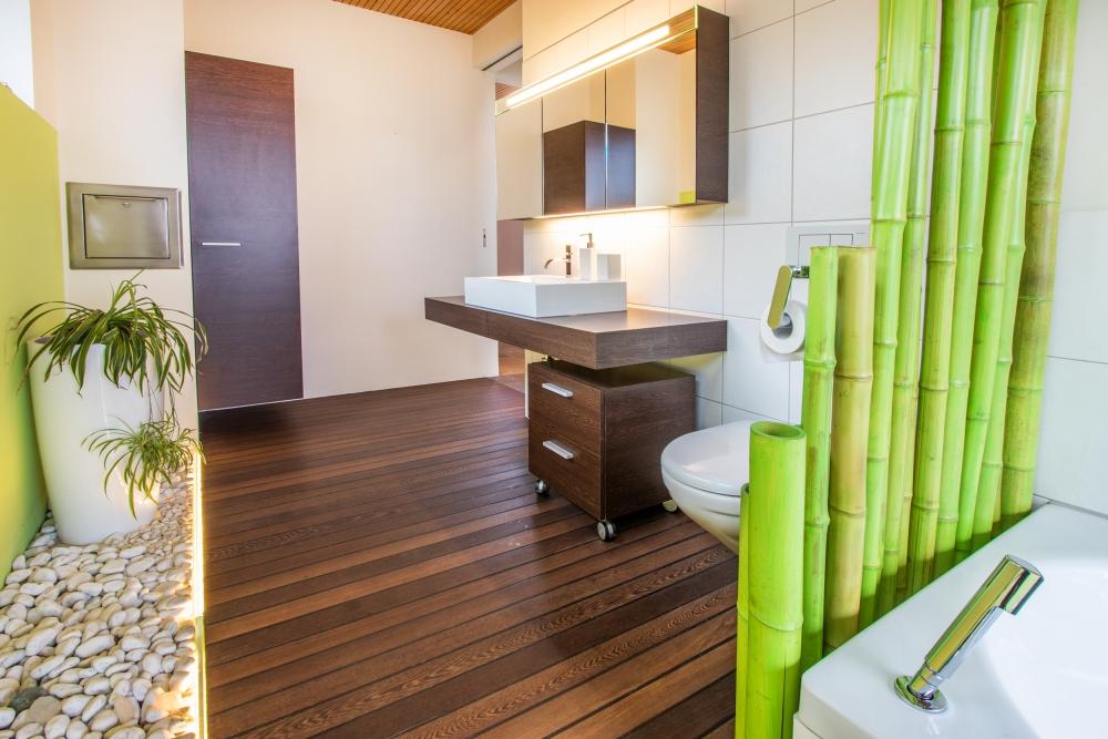 Gäste-WC mit Badewanne