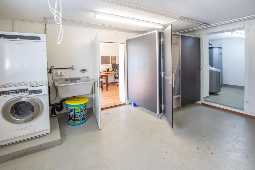 Waschküche mit DU/WC