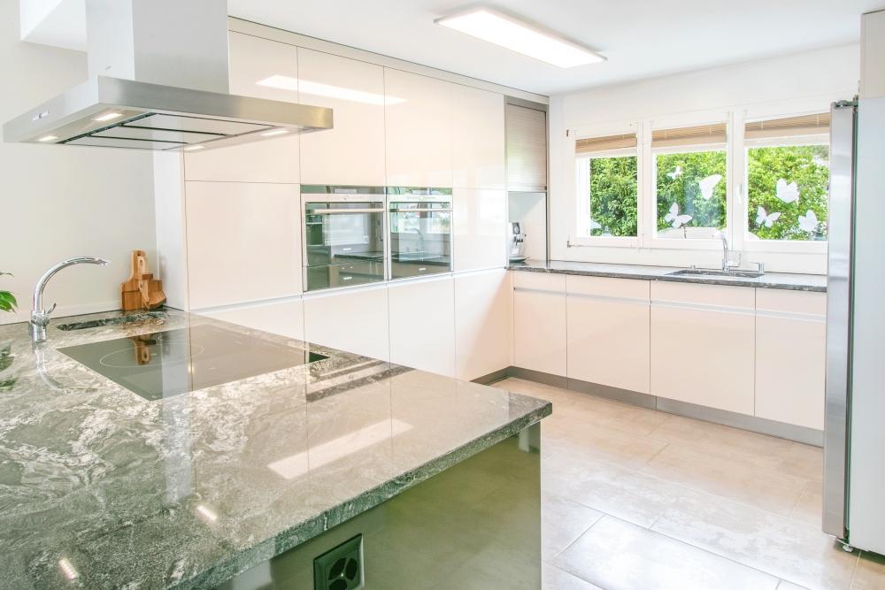hochwertige Küche Baujahr 2013