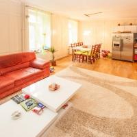 Wohn-/Essbereich, Küche 1. OG